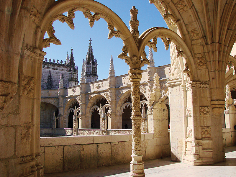 Portugal: From Porto to Lisbon�A Journey Through the Ages